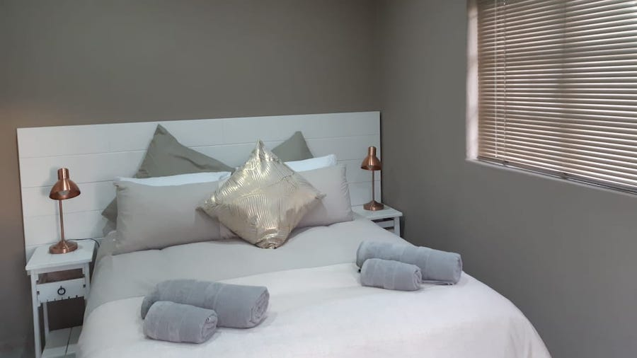Self-catering cottage master bedroom at Pearly Beach Horse Trails